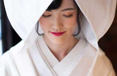 【色打掛】朱金地松菊御所車/【白無垢】雲取に鶴