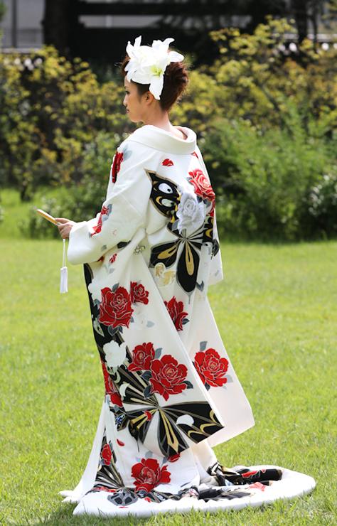色打掛 友禅蝶の舞のブログ画像