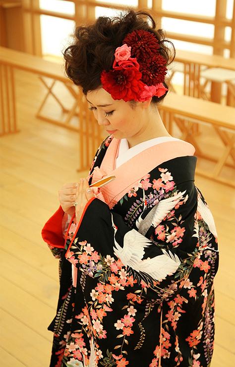 色打掛 黒地 金彩刺繍鶴のブログ画像