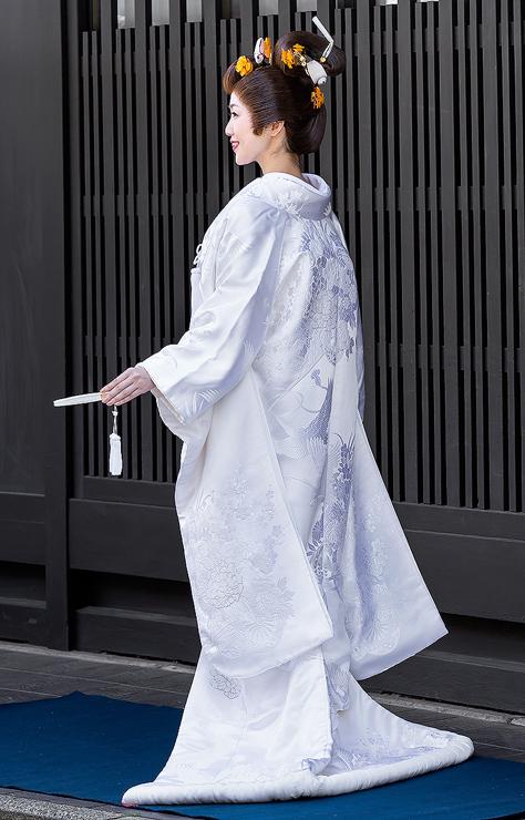 白無垢-相良刺繍牡丹花車鶴