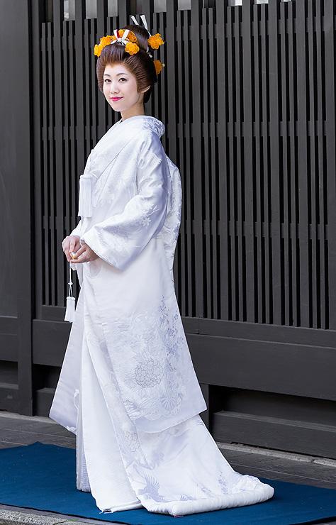 白無垢 相良刺繍牡丹花車鶴